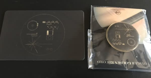 The Voyager Golden Record - Box Set - Card and Pin - Audio Elite Colombia